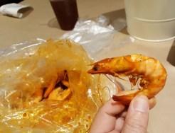 Shrimp boil with Cajun spice, medium heat | Camarão com molho Cajun, pimenta media