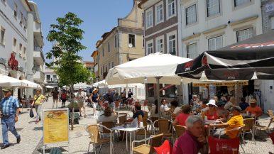 Restaurants and pedestrian streets   Restaurantes e ruas para pedestres