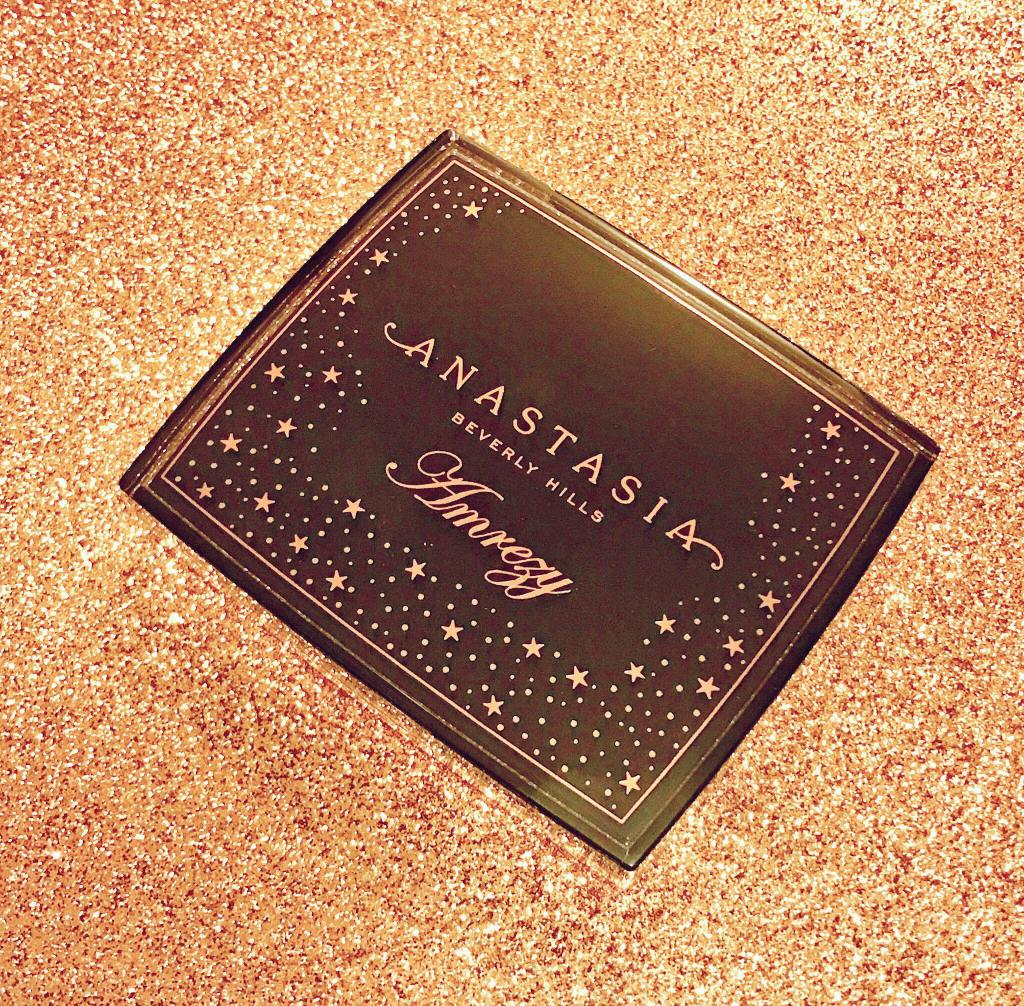 GIVEAWAY TIME: ANASTASIA BEVERLY HILLS X AMREZY HIGHLIGHTER- ENTER NOW!