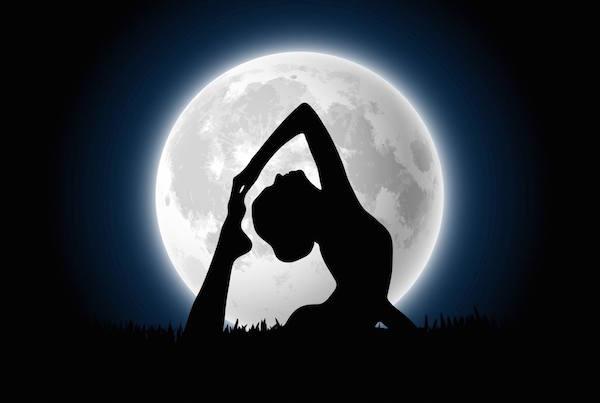 Full-Moon-Yoga-at-Viva-La-Vida
