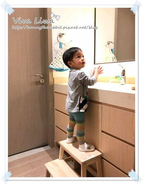 卸貨倒數100-72 寶寶洗手上廁所必備!高度夠高的兩層實木階梯凳/踩腳凳(淘寶)