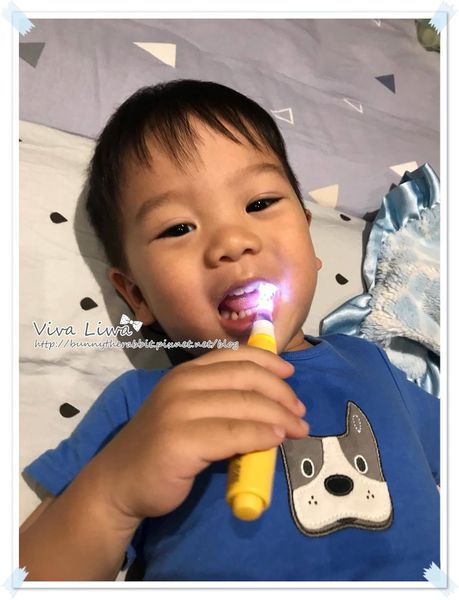 卸貨倒數100-26 搞定小童刷牙事!翰翰的刷牙雞絲頭們&讓小孩願意刷牙的小撇步
