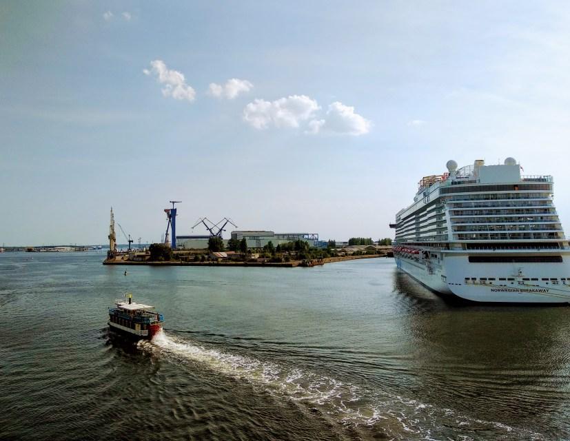 Das Sprungbrett Rostock wippt noch hinter uns - auf nach Dänemark!