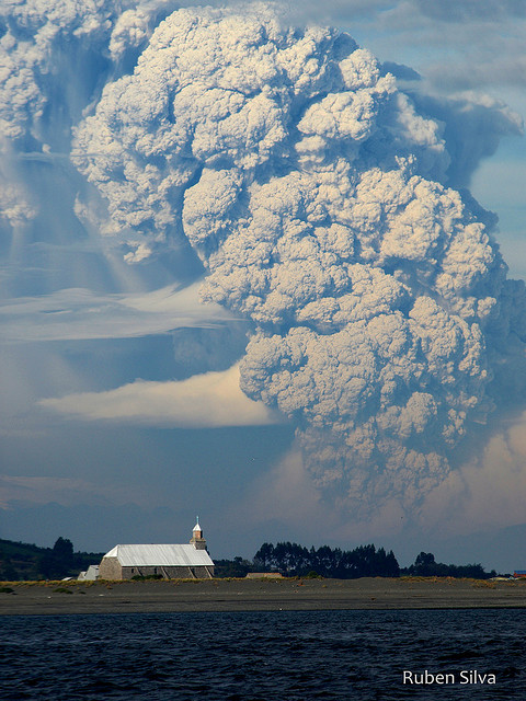 2459659127 407040617b z 20 Beautiful Active Volcano Images
