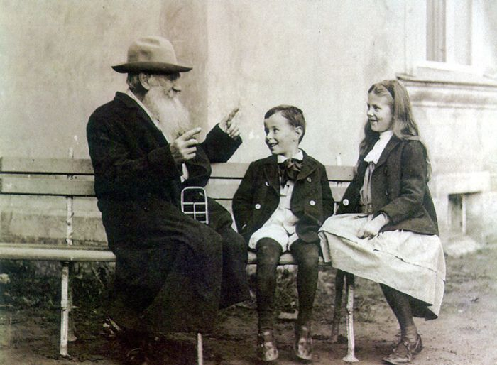 Leo Tolstoy tells a story to his grandchildren in 1909