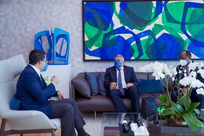 El ministro de turismo David Collado junto al secretario general de la OMT