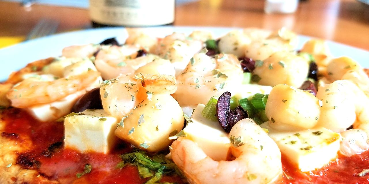 Pizza méditerranéenne aux fruits de mer