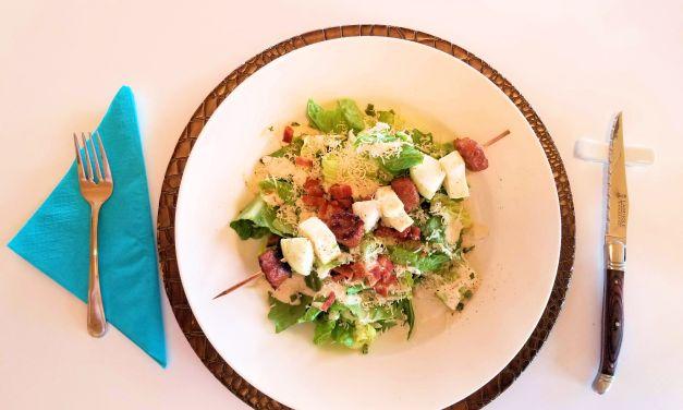 Brochette de saucisse italienne piquante