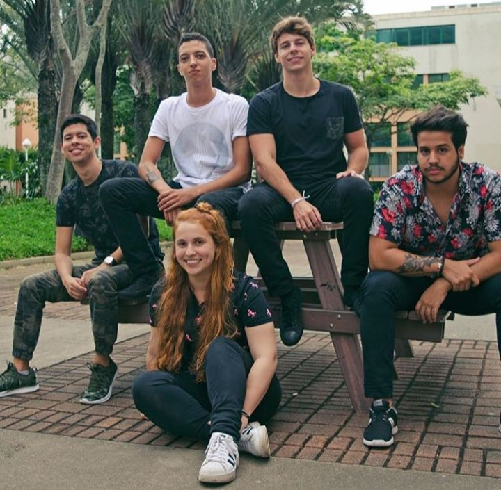 A banda Hadezi está no Alternativo Rock Club.