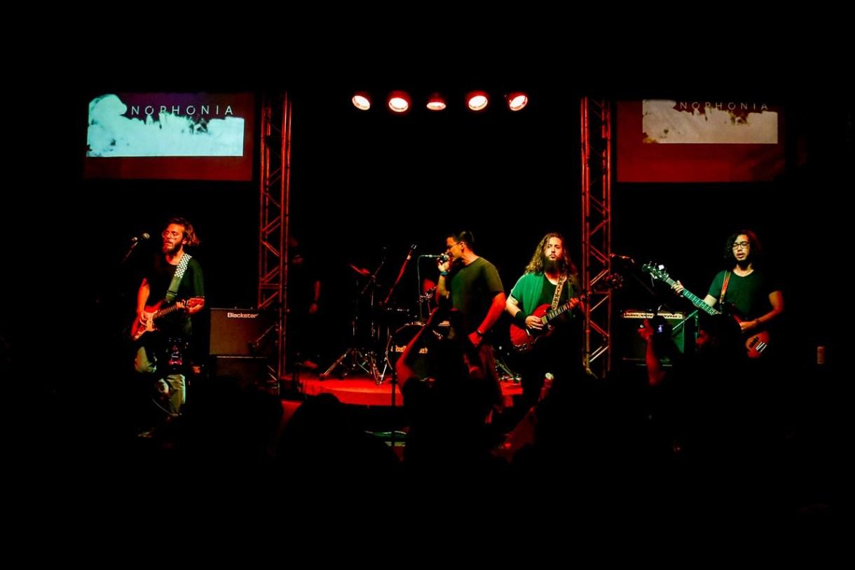 A banda Monophonia e o Alternativo Rock Club.