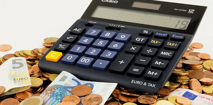 """Controle financeiro: As 7 soluções para falta de dinheiro, segundo o livro """"O Homem Mais Rico da Babilônia""""."""