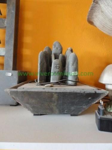 Fuente de piedra natural de mesa Monolito