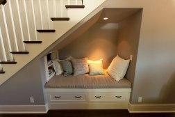 cozy-reading-nooks-book-corner-573092d1da4fc__700