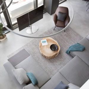 vista aerea salon con sofa de diseno 028