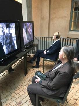 Vivica Bandler pääsee myös itse ääneen Viva Vivica! -näyttelyssä. Multimediateos lennättää katsojat Suomen itsenäisyyden alkuun ja nostaa esiin Vivican näkemyksiä teatterista, taiteesta, kulttuurista ja yhteiskunnallisista kysymyksistä.