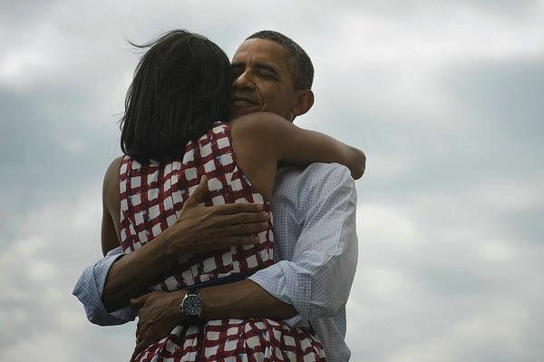 La grande donna dietro a Obama. Anzi, accanto.