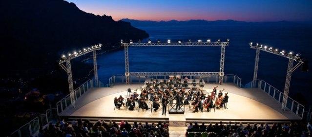 Festival Ravello – concerto all'alba, Verdi e le sculture di Paladino