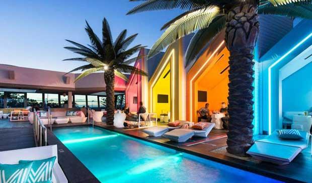 Matisse Beach Club – design fluo sulla spiaggia di Perth in Australia