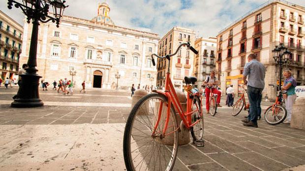 Visitare Barcellona in bicicletta in autunno