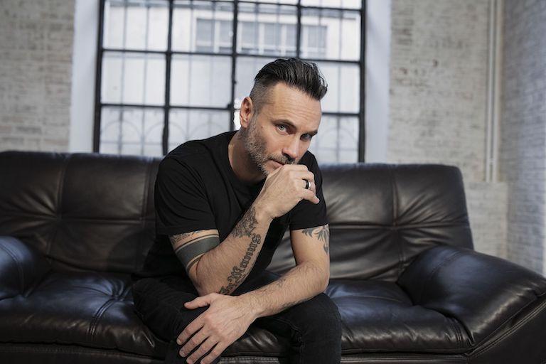 Intervista a Nek, l'artista emiliano racconta il nuovo album