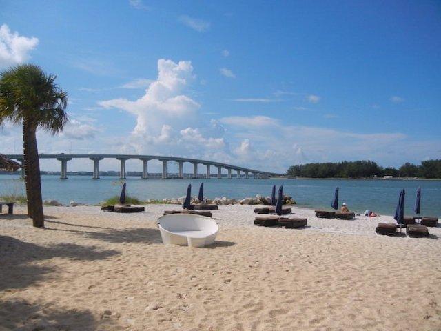 Le regole della riapertura: hotel, ristoranti e spiagge