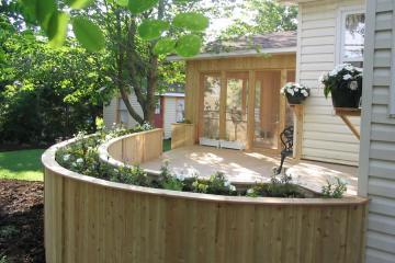Custom Decks & Fences