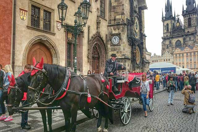 Adiós Coches de Caballos Turístico Praga
