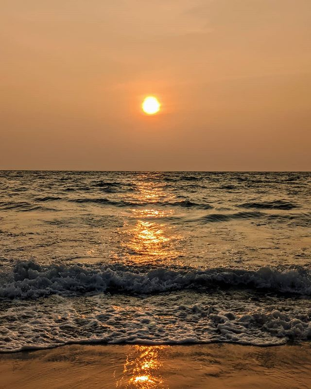 Sunset at Cherai Beach, Kerala.  #sunset #beach #beachsunset #cherai #cheraibeach #ocean #oceansunset #kerala #godsowncountry #india #incredibleindia #nature #sunsetphotography #amateurphotographer #amateurphotography #photographer #photography #cellphonephotography #pixel4xlphotography