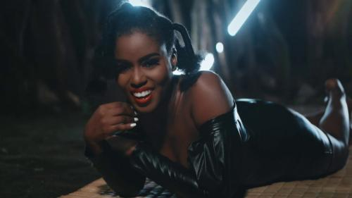 MzVee – Baddest Boss Ft Mugeez (Official Video)