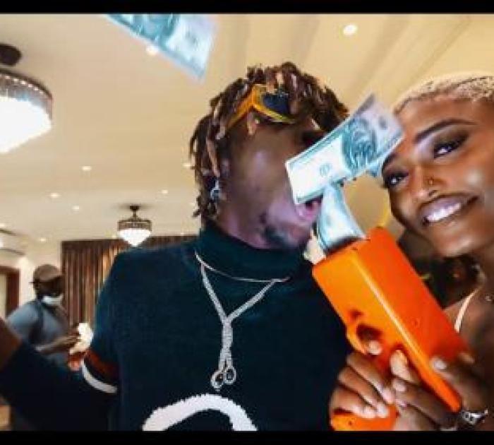 Kofi Mole – Top Shella (Official Video)