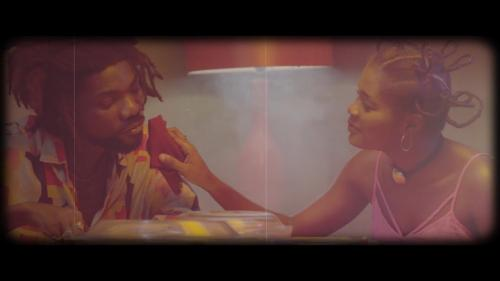 AkAN feat. Efya – Mensei Da (Official Video)