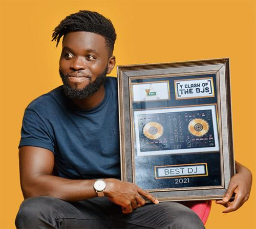 DJ Edita Wins Best DJ At Second Edition of Y Clash Of The DJs