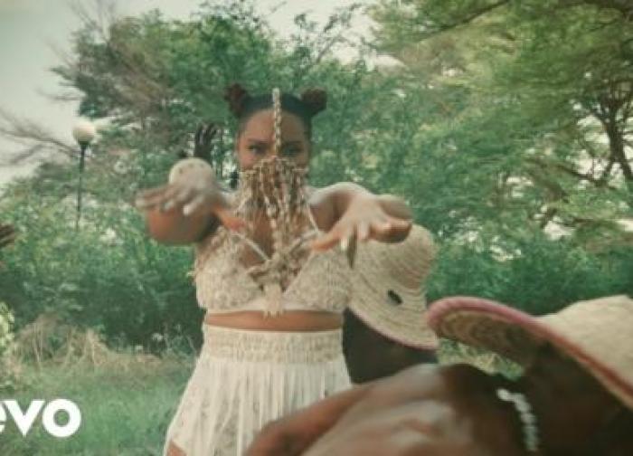 Yemi Alade – Dancina (Official Video)