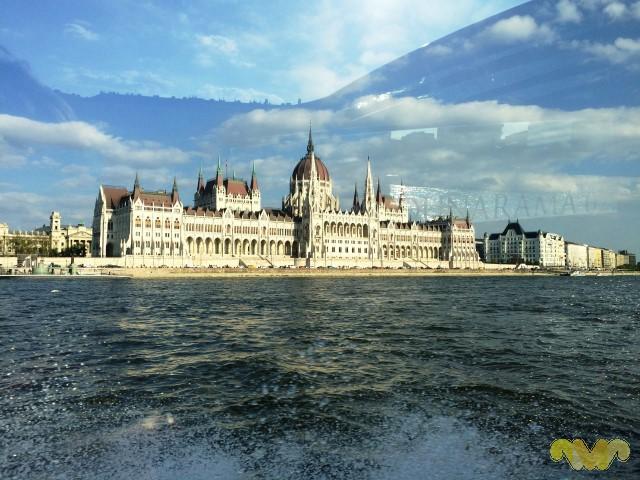 Vivir como Reyes en Budapest. Parlamento