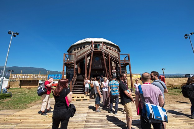 La Tour Vagabonde du Village du Monde du 41e Paléo Festival. © Oreste Di Cristino