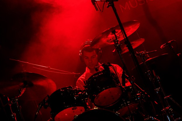 Elia Sommacal, batteur de Bomba Titinka, au Parc de Vernex vendredi soir. © Oreste Di Cristino / leMultimedia.info