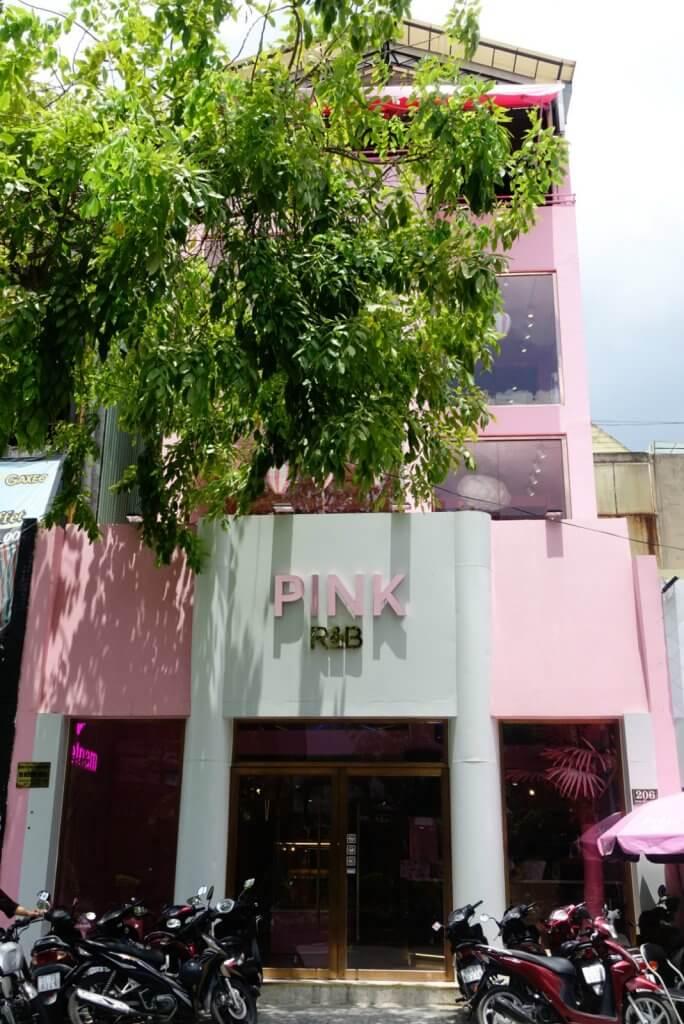 走進胡志明市R&B夢幻色彩茶屋,尋覓一縷最療癒的粉紅