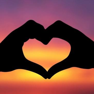Nuestro corazón colgando en vuestras manos.