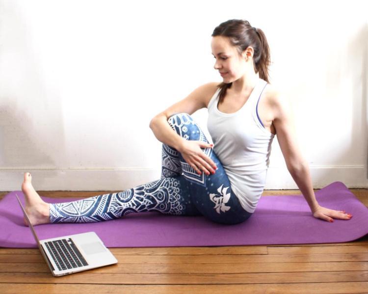 yoga la maison avec yoga connect. Black Bedroom Furniture Sets. Home Design Ideas