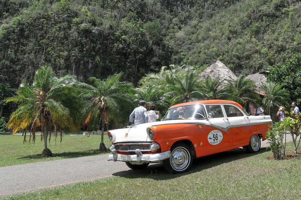 Classic Car ride to the Vinales in Cuba