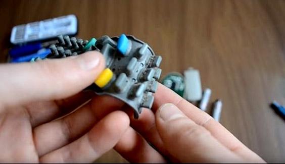 [object object] 9 vật dụng siêu bẩn cần làm sạch hàng ngày, nhưng chúng ta lại thường bỏ qua remote tv dieu khien tv vi khuan