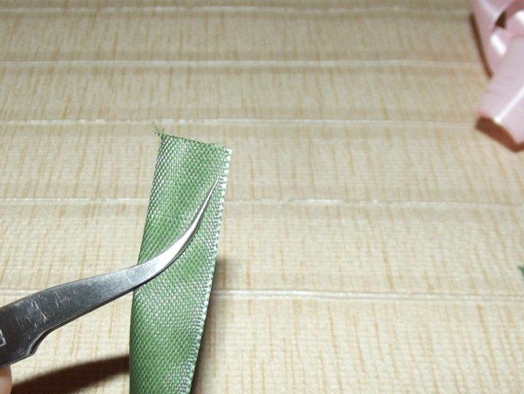 (+115写真)サテンのリボンから自分の手で弓
