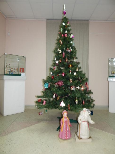Какая же елочка без Деда Мороза и Снегурочки?