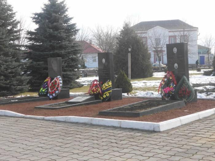 сквер, площадь, г. Лепель, могила Данукалова