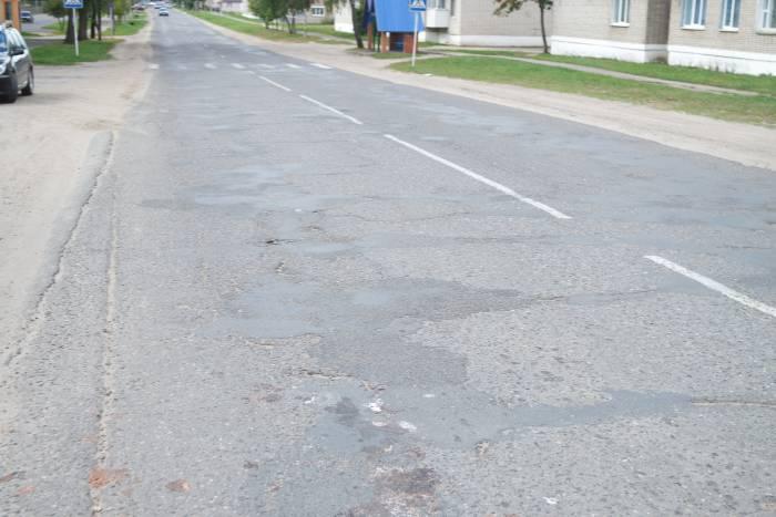 Начало центральной дороги в Миорах. Фото Александры Мирной