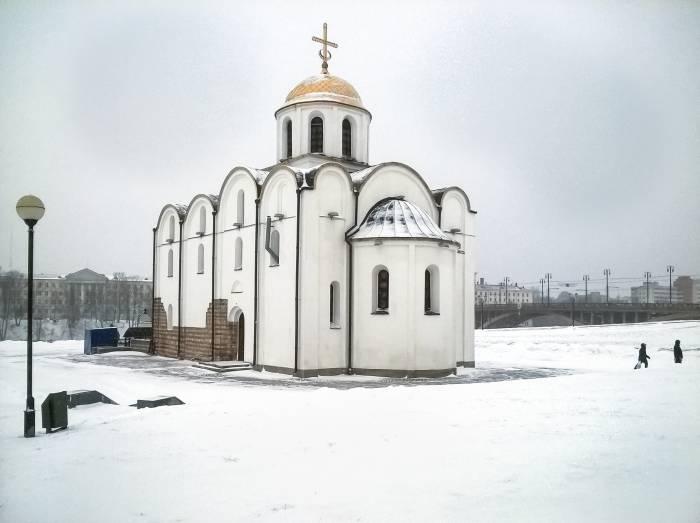 снегопад церковь Благовещенская