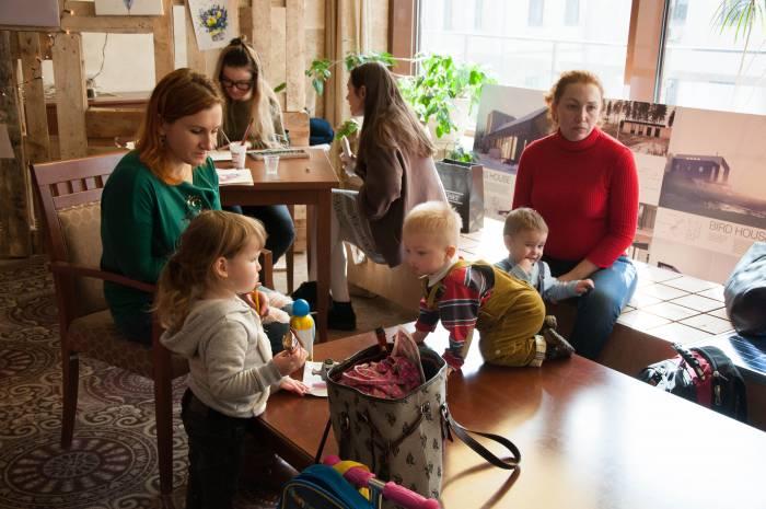 """Зона для детей на эко-маркете """"Пастернак"""". Фото Анастасии Вереск"""