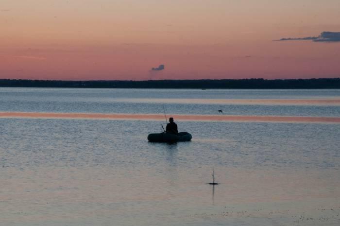 Лукомльское озеро - пятое по величине в Беларуси. Фото Анастасии Вереск