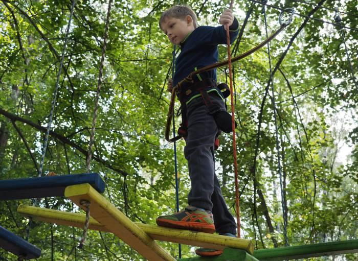 Веревочный городок - настоящее приключения для ребенка. Фото Светланы Васильевой
