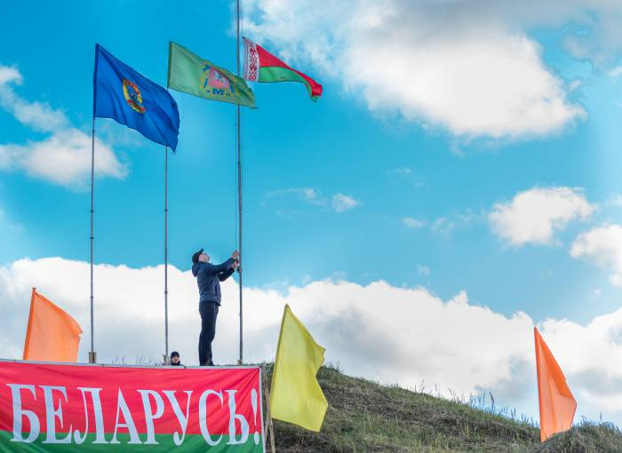 Флаги подняты - соревнования начались. Фото Светланы Васильевой